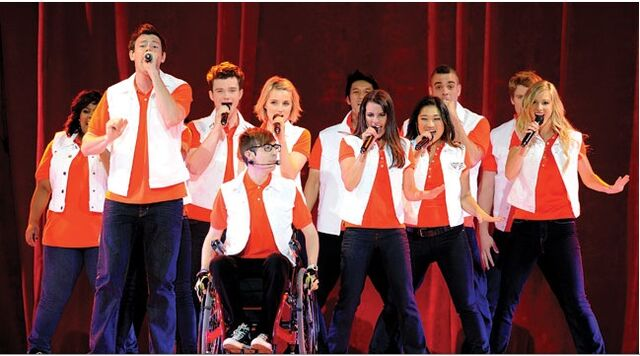 File:Glee Tour.jpg