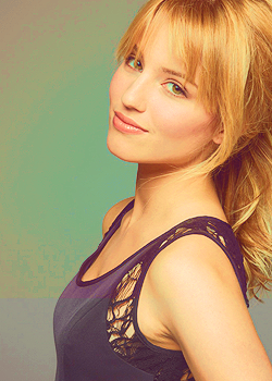 File:DiannaAgron123.png