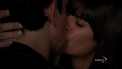 File:Finn and rachel the first time kiss2.png