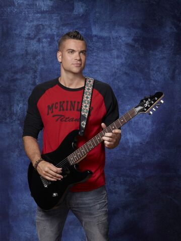 File:Gl12-mark-salling-blue22copy.jpg