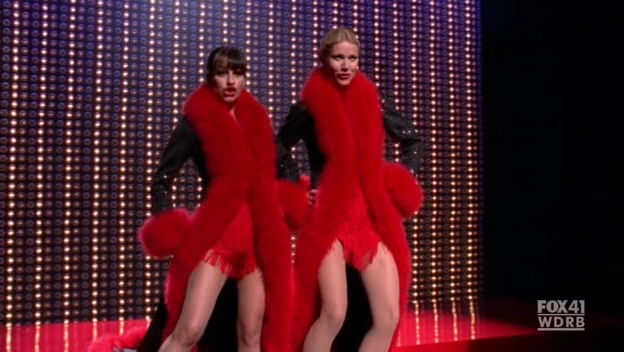 File:Glee 2x07 nowadays hot honey rag snapshot.png