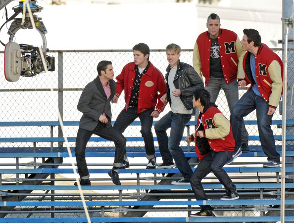 File:The+boys+of+Glee+get+down+683UTLF79Gol.jpg