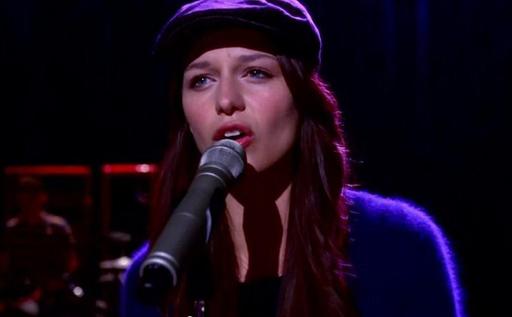 File:Melissa-Benoist-Glee.jpg