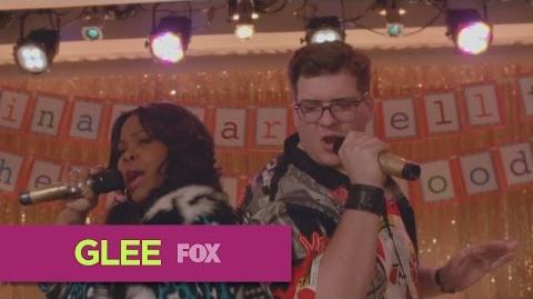 "GLEE - Full Performance of ""All About That Bass"" from ""Transitioning"""