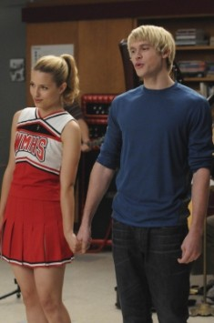 File:235px-Quinn and Sam holding hand.jpg