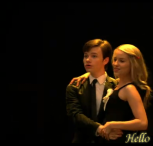 File:Glee Kurt and Quinn Hello by SkyeWall.png