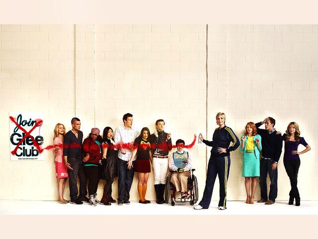 File:Glee wallpaper 2.jpg