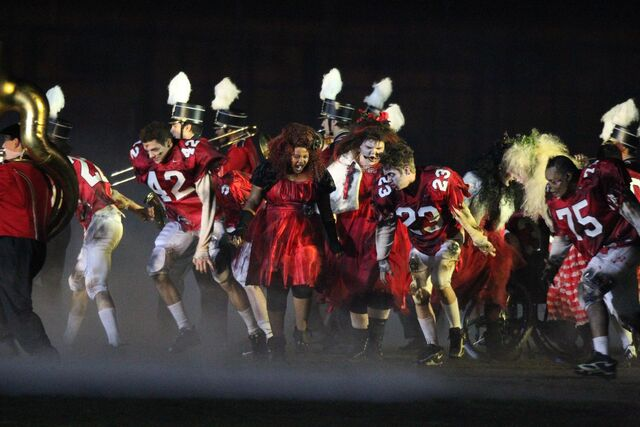 File:GLEE Cause this is thriller, thriller night - Super bowl ep - leaked 9jan2011.jpg