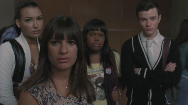 File:Glee221-1230.jpg