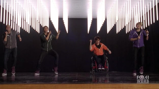 File:Glee.S02E13.HDTV.XviD-LOL.-VTV- 2740.jpg