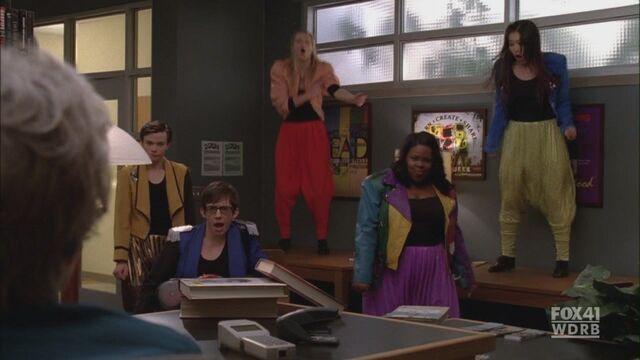 File:Glee117 0347.jpg