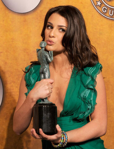File:Lea-Michele-the-SAG-awards-2010-glee-10057266-460-600.jpg