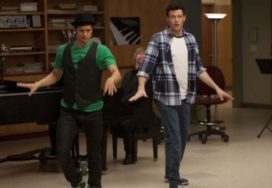 File:Glee-2x18-finn.jpg