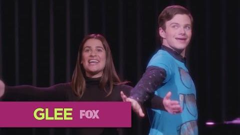 "GLEE ""Popular"" (Full Performance)"