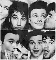 File:Darren-Chris-darren-criss-and-chris-colfer-27505661-217-232.jpg