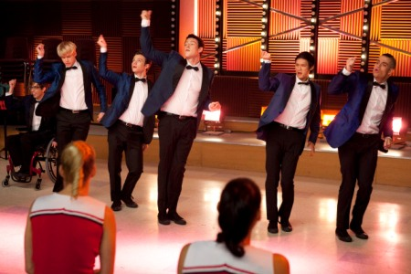 File:Glee-never-been-kissed-boys.jpg