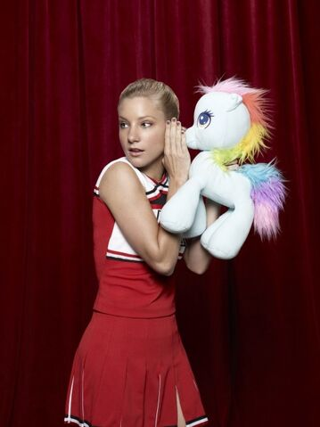 File:Gl04-heather-morris-red0563ly.jpg