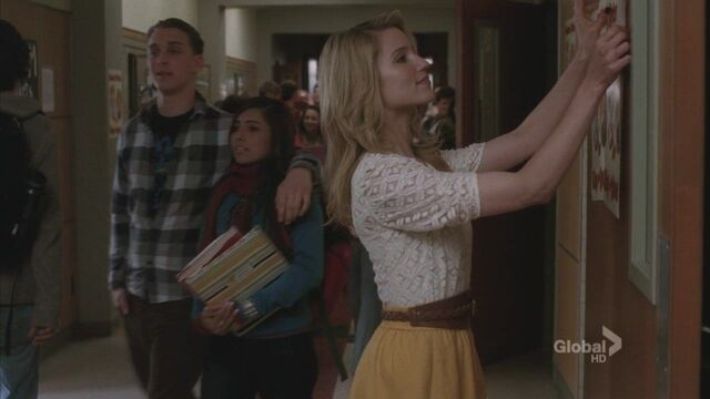 File:Quinn putting up prom posters 2.jpg
