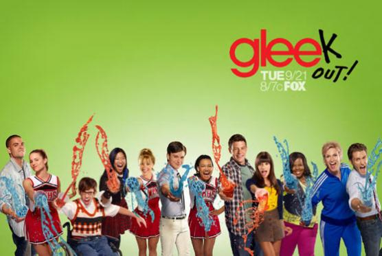 File:Glee-season-2-poster 556x373.jpg