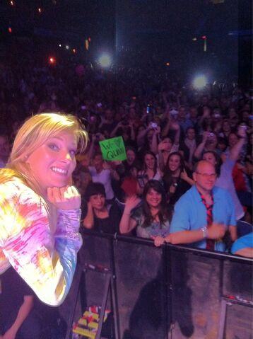 File:Heather in glee tour.jpg