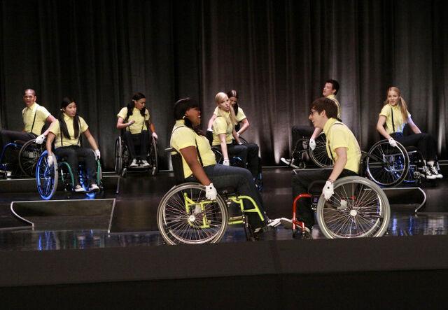 File:Glee wheels group.jpg