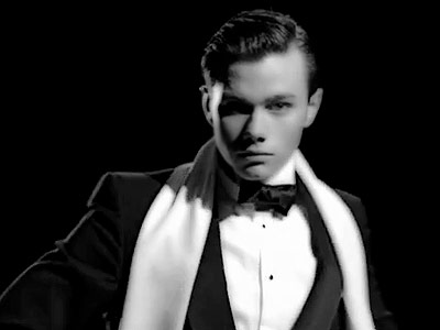 File:Glee-Vogue-Kurt 400.jpg