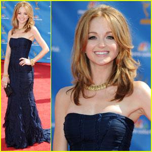 File:Jayma-mays-2010-emmys-red-carpet.jpg
