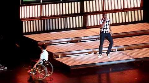 Glee Live- Dancing with myself