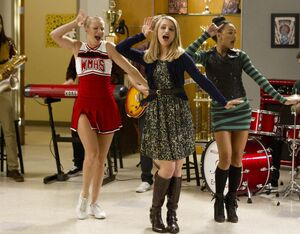 Glee - Episode 4.08 - Thanksgiving - Full Set of Promotional Photos (1) FULL.jpg