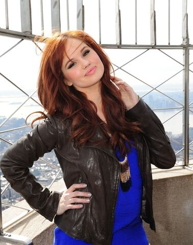 File:Debby-ryan-at-empire-state-building-nyc-12th-march-2012 0104744.jpg