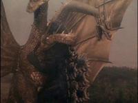 GvsKG-King Ghidorah coiling Godzilla