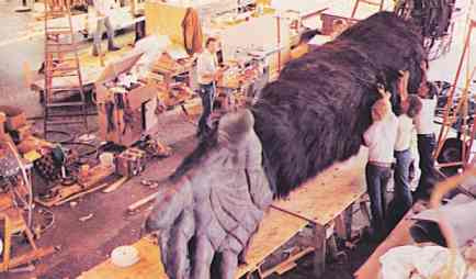 File:Kong Arm Animatronics.jpg