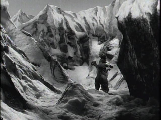 File:Godzilla Raids Again - 57.png