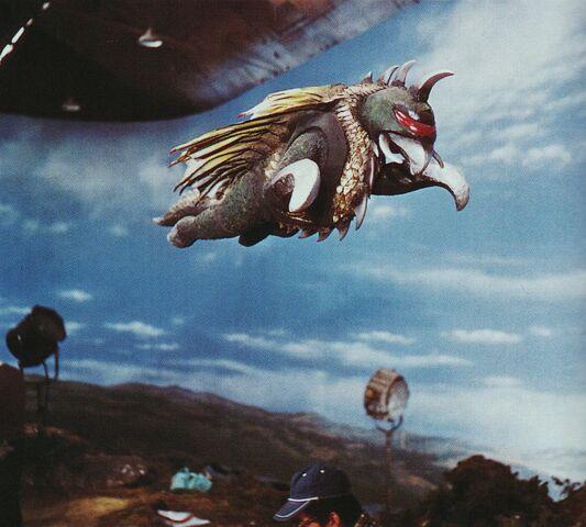 File:ShodaiGigan prop flies.jpg