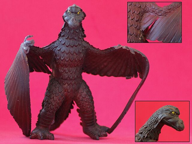 File:Chinese Giant Condor Toy.jpg