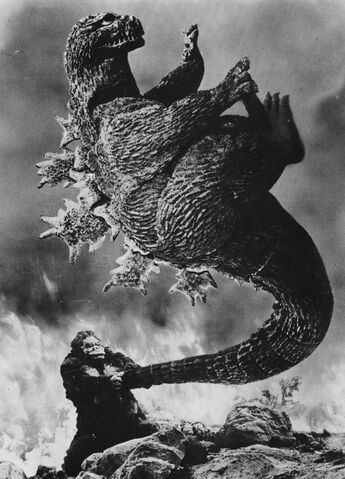 File:KKVG - King Kong Throws Godzilla by the Tail.jpg
