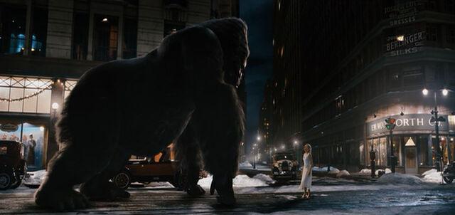 File:King-Kong-and-Ann-Darrow.jpg