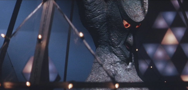 File:Gamera - 4 - vs Viras - 8 - Viras is in a cage.png