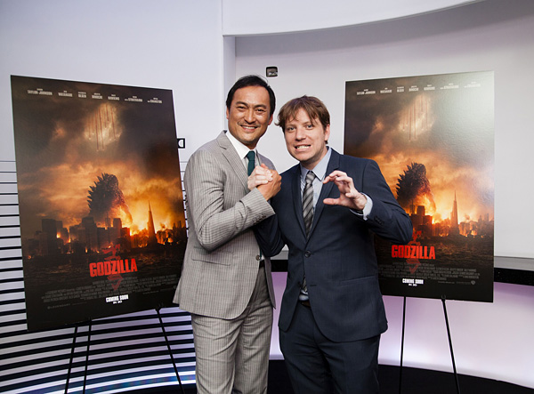 File:Ken Watanabe and Gareth Edwards.jpg