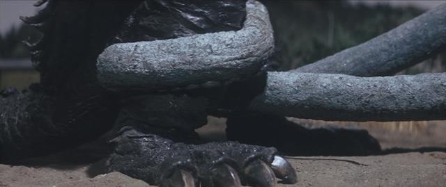 File:Gamera - 4 - vs Viras - 22 - More tentacles.png
