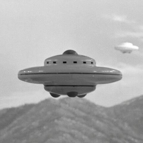 File:Godzilla.jp - 6 - Xilien UFO.jpg