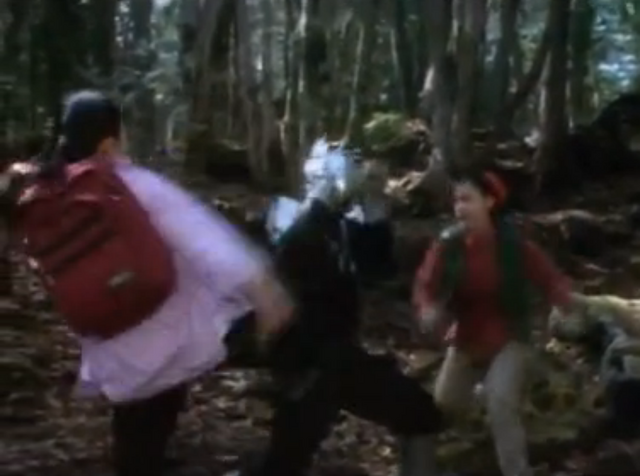 File:Rei and woman vs Fang.PNG