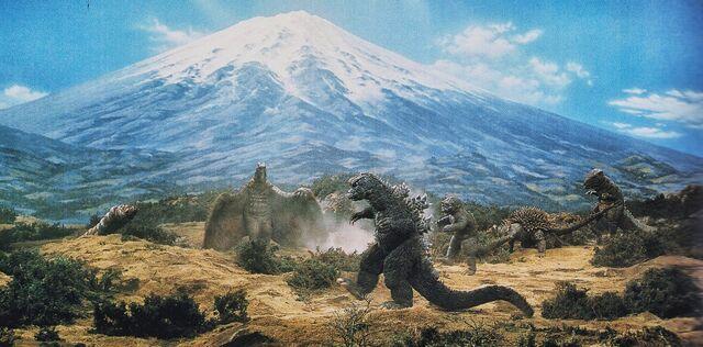 File:DAM - Godzilla, Rodan, Mothra, Anguirus, Minilla and Gorosaurus.jpg