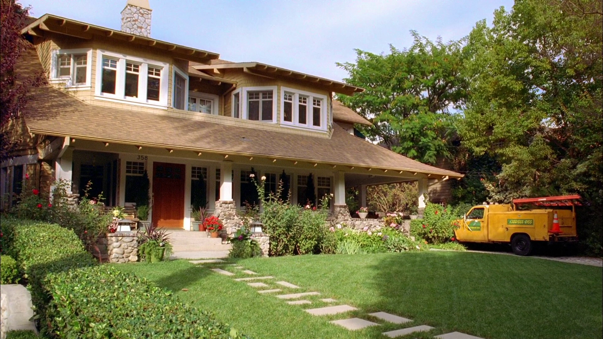 The duncan house good luck charlie wiki fandom powered for Good house images