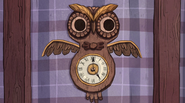 S1e1 owl clock