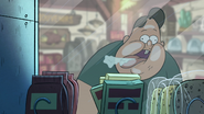 S1e16 waddles glass lick