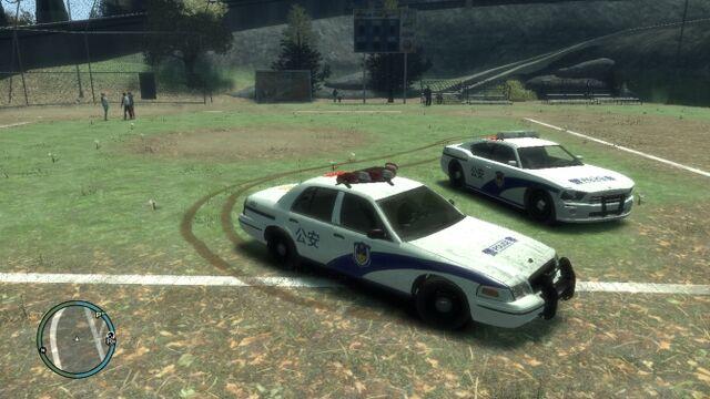 File:GTAIV中国警车x2.jpg