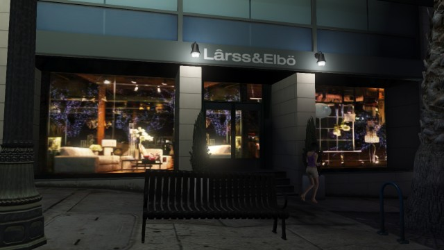 File:Lârss & Elbö GTAV Del Perro Store.jpg