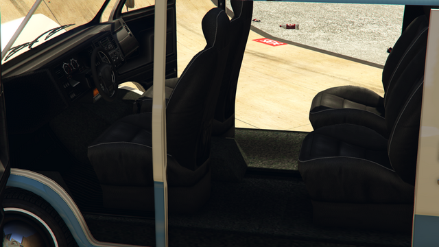 File:YougaClassic-GTAO-Inside.png