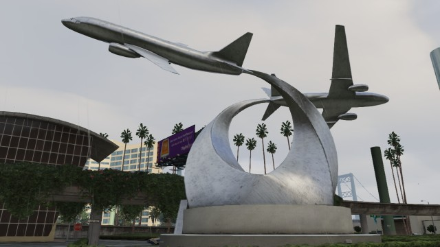 File:LSIA-GTAV-AT400sculptures.jpg